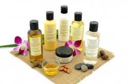 Natural_Defence_Solution_Kit_for_Dry_Skin_Hair_Stylised_2048x2048